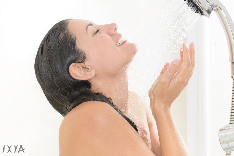 Idroterapia: 7 benefici dell'acqua fredda sulla pelle
